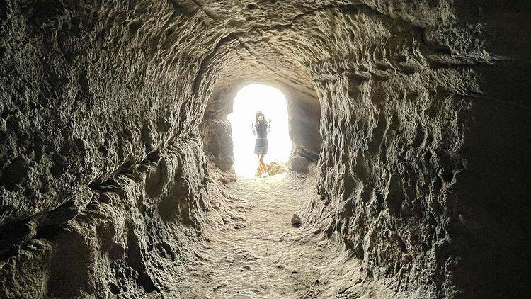 「沖ノ島」の洞窟の写真です✨page-visual 「沖ノ島」の洞窟の写真です✨ビジュアル